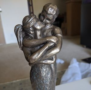 "Kissing ""Bronze"" Couple Statue"